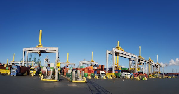 BT DELIVERS A WIRELESS BACKBONE SOLUTION FOR ONE OF EUROPE'S LARGEST CONTAINER TERMINALS