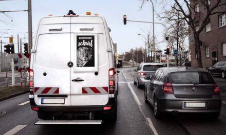 Plastic Logic displays to drive RoadAds interactive's digital vehicle advertising