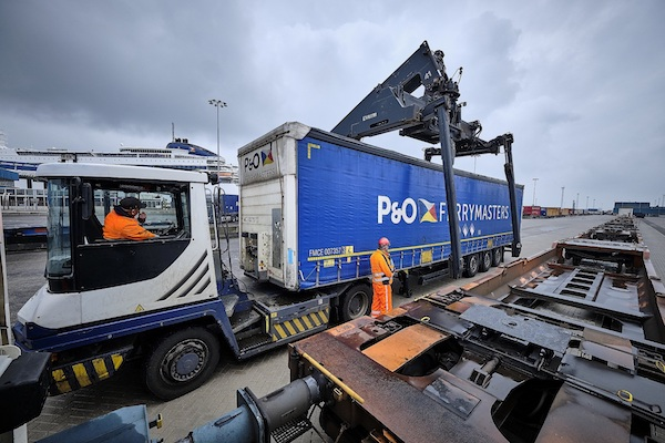P&O FERRYMASTERS AND DP WORLD BEGIN ROLLING-OUT INTEGRATED MARITIME AND LOGISTICS SERVICES