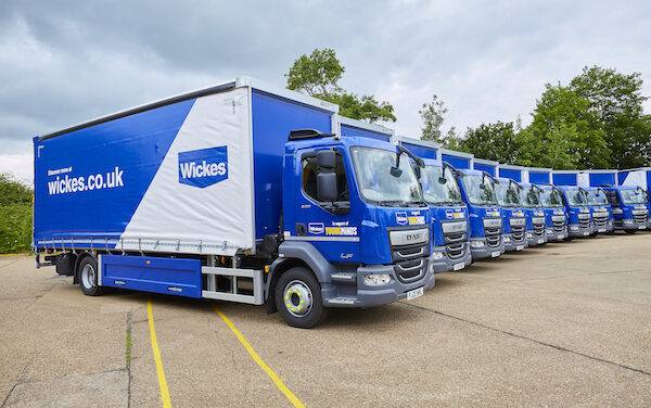 Ryder supplies specialist DAF LF220 15t rigid vehicles into Wickes' kitchens and bathrooms home delivery fleet