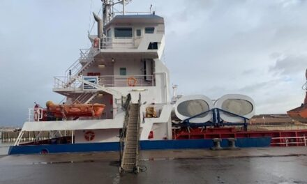 Boomsma Shipping installs and sails off with two eConowind Flatrack VentiFoils