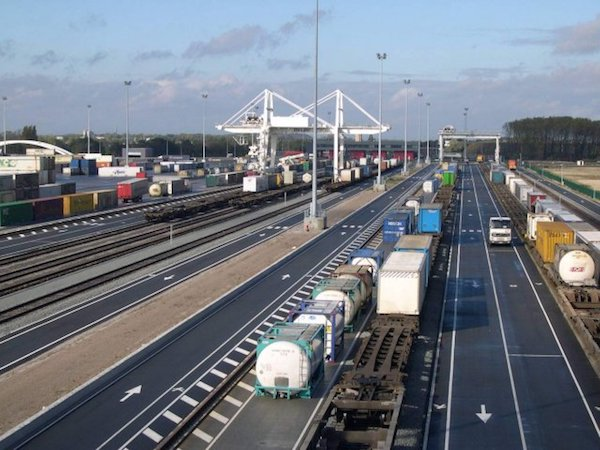 Transfesa Logistics expands freight traffic with Europe with a new connection in Dourges (France)