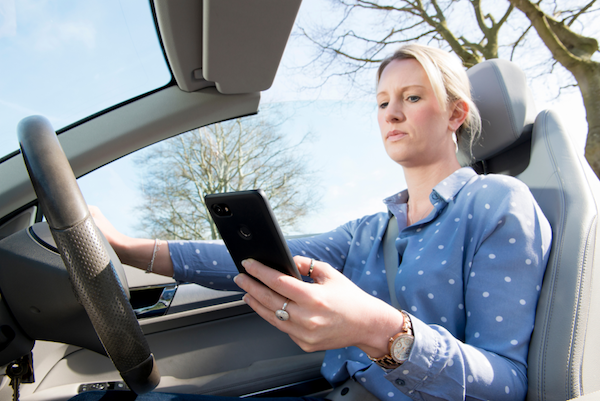 TRL welcomes DfT consultation on the use of mobile phones while driving; calls for further research into wider distracted driving issues
