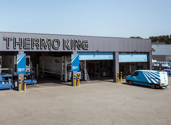 Thermo King Awards First Dealers with Blue Track Select Certification for Outstanding Uptime Services