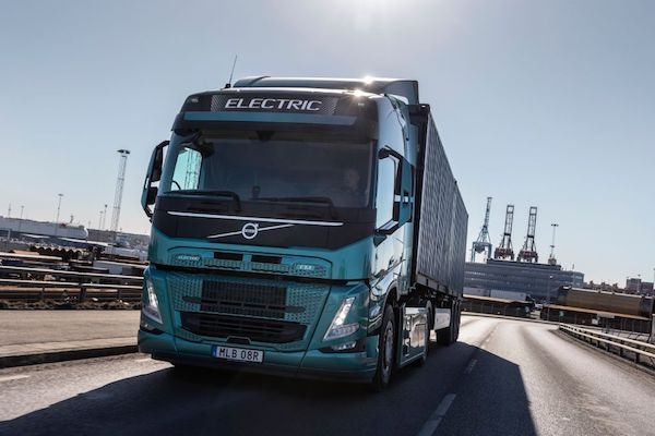 VOLVO  TRUCKS  HOSTS  ONLINE  EVENT  TO  SPEED  UP  THE  TRANSITION  TO   ELECTRIC TRUCKS